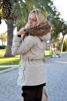 Bershka military parka beige, wool mini dress, over knee socks, Zara boots, Elisabetta Franchi borsa – Italian fashion blogger It-Girl by Eleonora Petrella