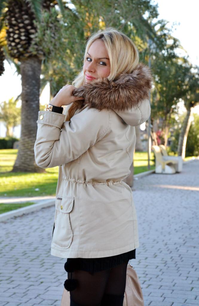 <!--:it-->Beige parka coat<!--:-->