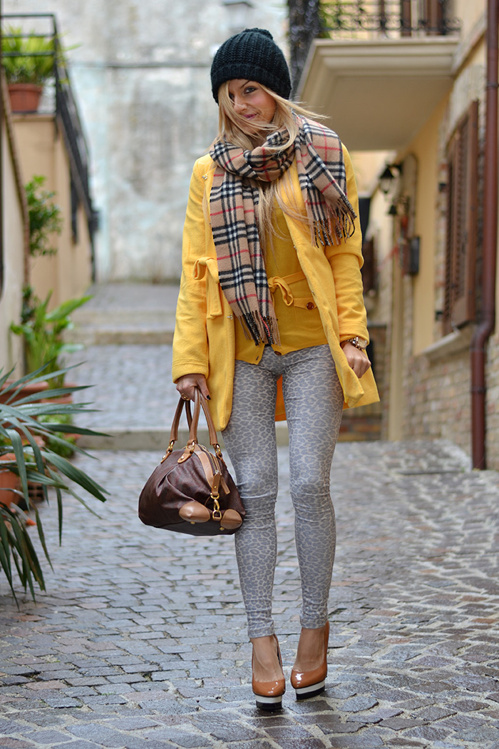 Yellow winter 2014 coat Sheinside, Etro bag, Burberry scarf - outfit italian fashion blogger It-Girl by Eleonora Petrella