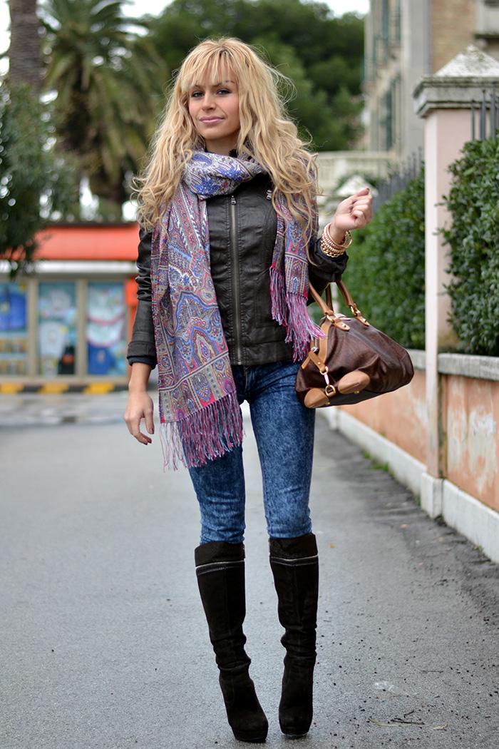 Luxyra russian silk and wool scarves, Miroslava Duma style – outfit Italian fashion blogger It-Girl by Eleonora Petrella
