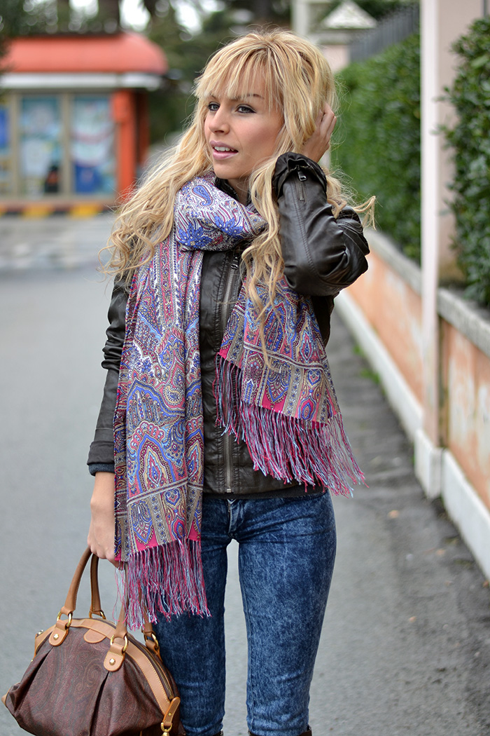 Luxyra russian silk and wool scarves, Miroslava Duma style – outfit Italian fashion blogger It-Girl by Eleonora Petrella