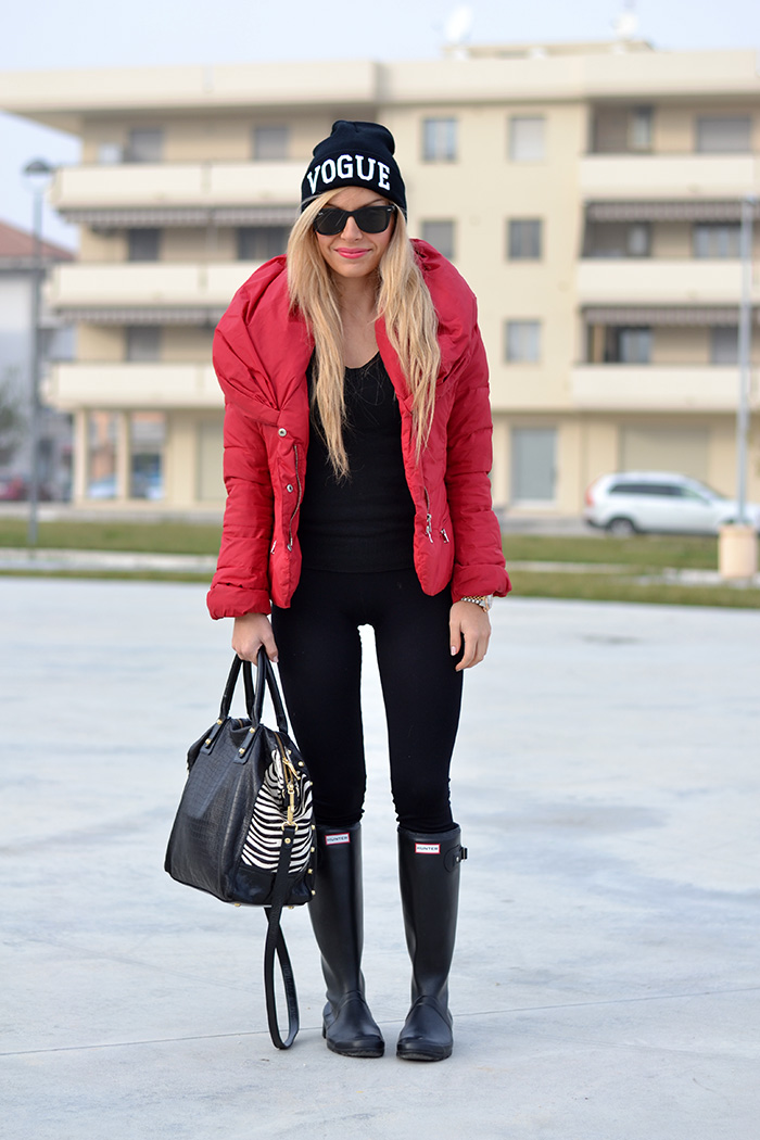 Pinko giubbotto inverno 2014, Calzedonia push-up leggings, stivali pioggia Hunter boots, sunglasses Rayban occhiali – outfit sporty chic italian fashion blogger It-Girl by Eleonora Petrella