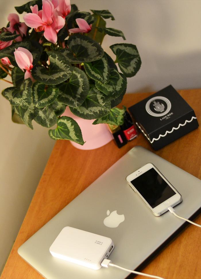 Aiino batteria esterna Iphone 5 e 5S - fashion blogger It-Girl by Eleonora Petrella