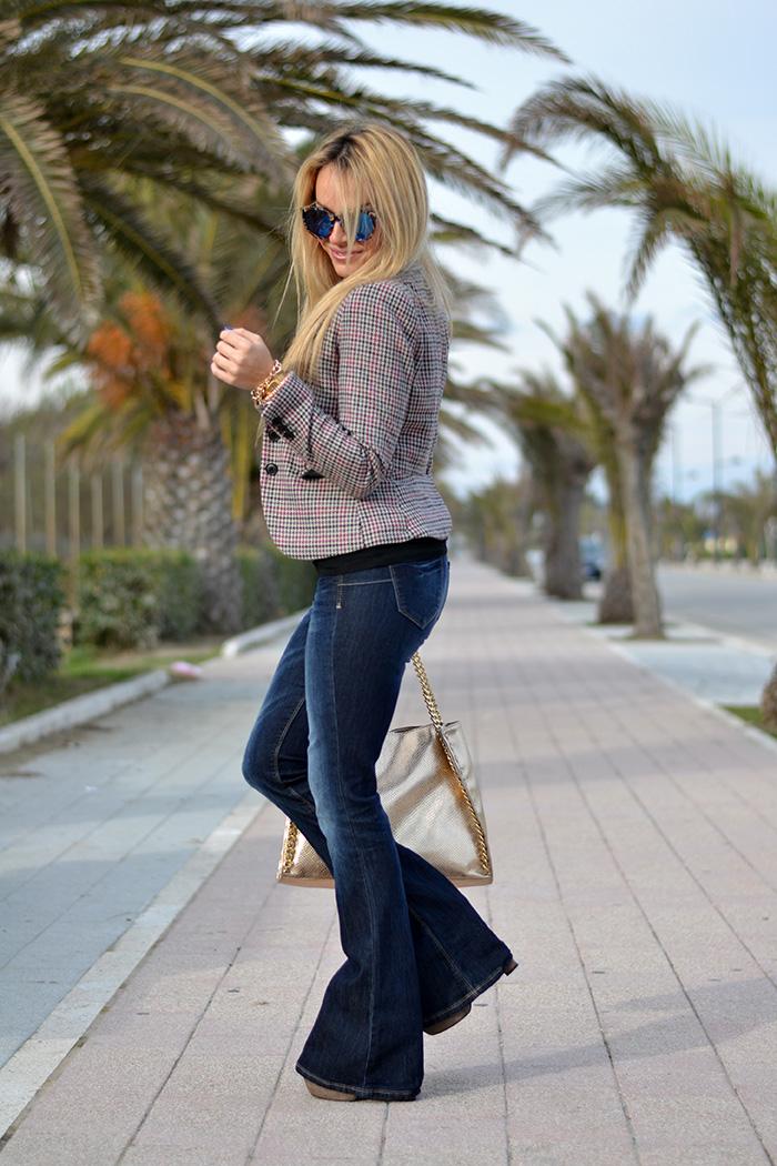 Flared jeans a zampa d'elefante - Bell bottom trousers - seventies look italian fashion blogger It-Girl by Eleonora Petrella