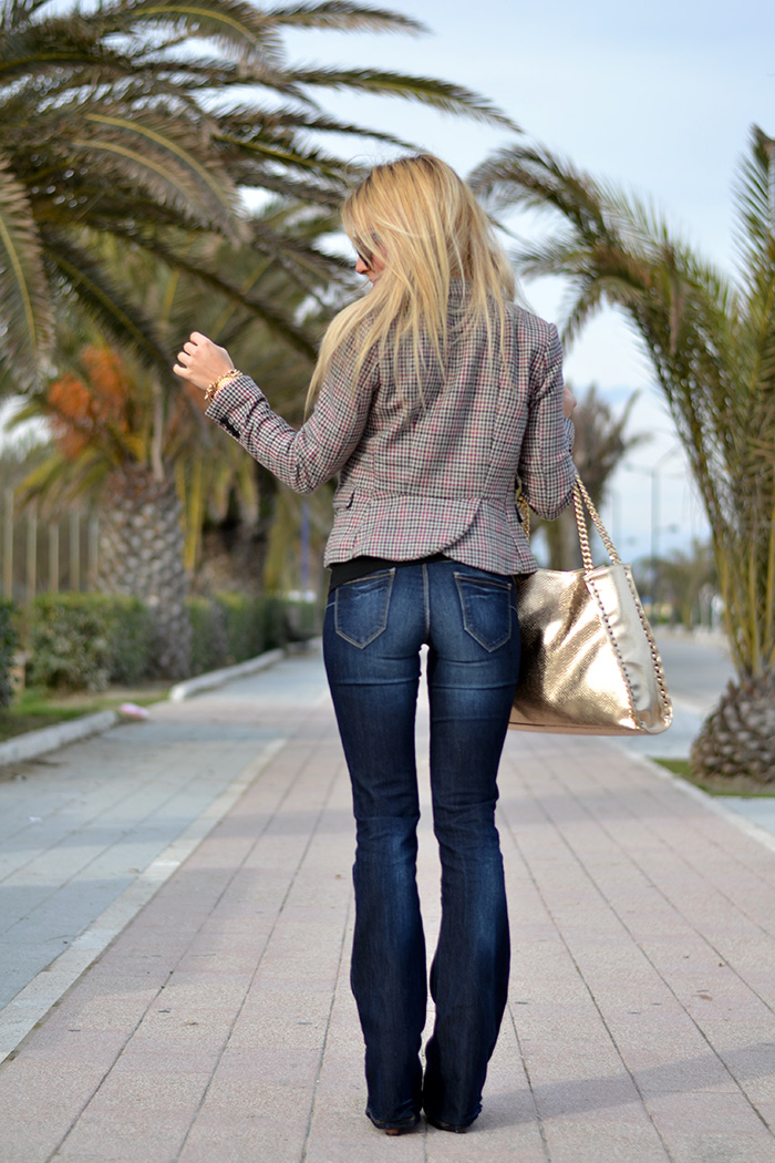 Flared jeans a zampa d'elefante - Bell bottom trousers - seventies look italian fashion blogger It-Girl by Eleonora Petrella