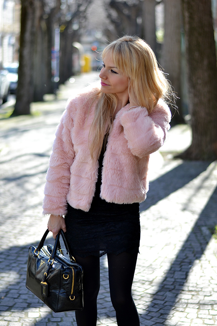 Pink faux fur trend winter 2014, Sheinside lace elegant dresses – outfit italian fashion blogger It-Girl by Eleonora Petrella