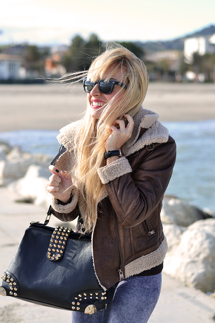 Timberland boots, sheepskin jacket, jeggings, Rayban Wayfarer – outfit comfy chic Italian fashion blogger It-Girl by Eleonora Petrella inverno 2014