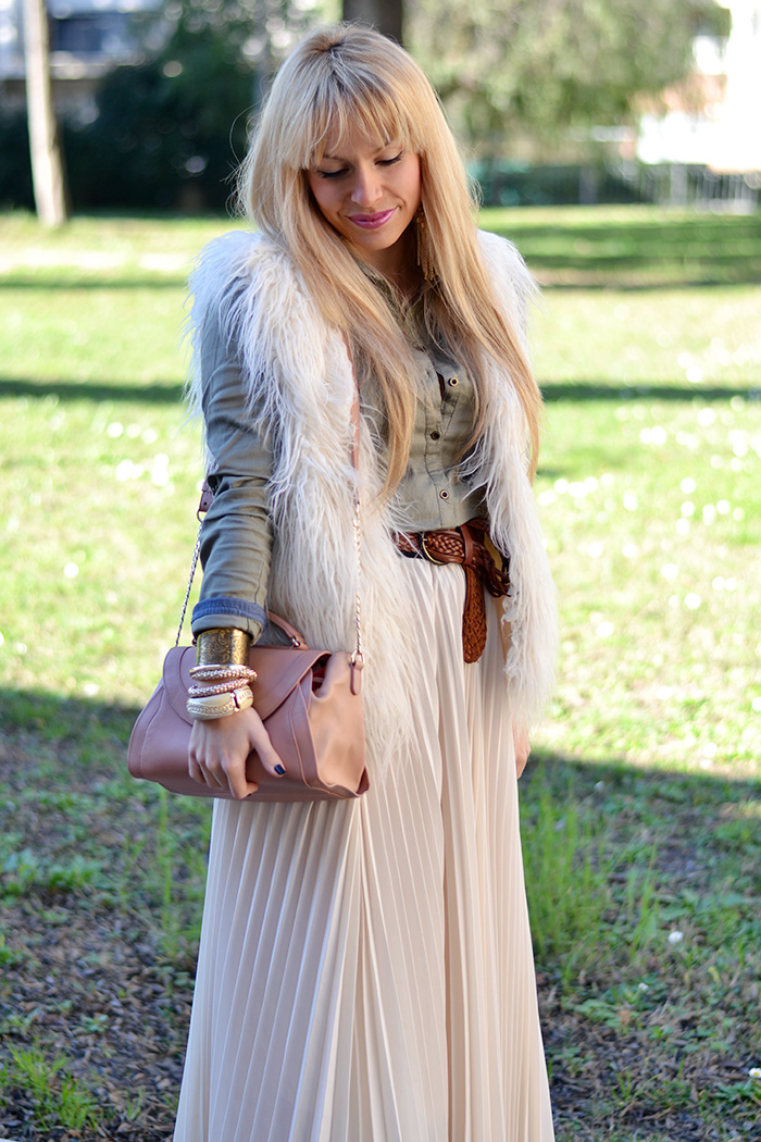 Maxi pleated skirt, trend winter 2014 faux fur H&M vest, See by Chloè bags – outfit Italian fashion blogger It-Girl by Eleonora Petrella