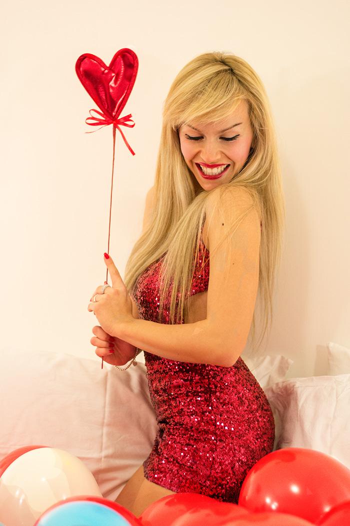 Bershka sequined dresses, vestito con paillettes, outfit idea occasione special cena romantic – outfit San Valentino It-Girl by Eleonora Petrella