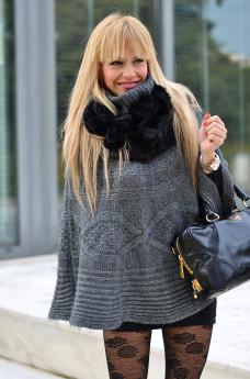 Calzedonia collant pizzo, lace tights, little black dress, Prada bags - outfit italian fashion blogger It-Girl by Eleonora Petrella