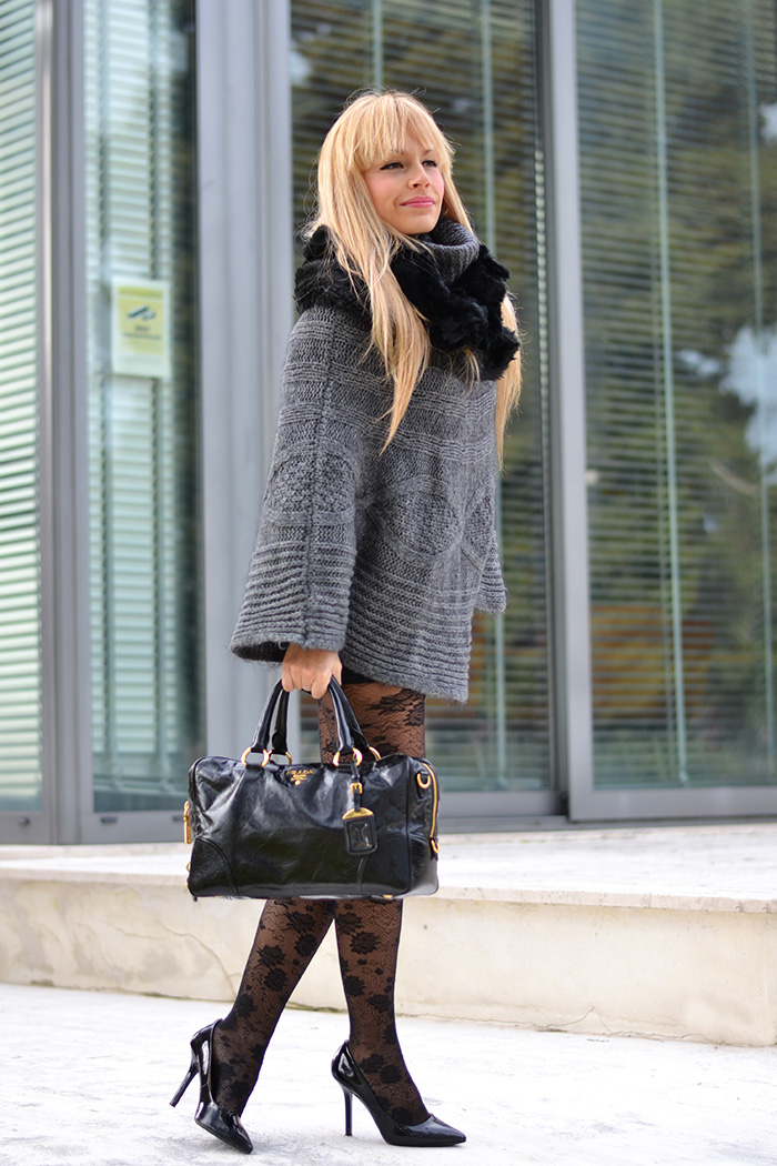 Calzedonia collant pizzo, lace tights, little black dress, Prada bags - outfit italian fashion blogger It-Girl by Eleonora Petrella