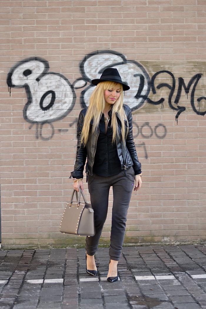 Tuta e tacchi - Praio Abbigliamento - Selma Studded Michael Kors bag Biagetti Bologna - sweatpants and heel outfit italian fashion blogger It-Girl by Eleonora Petrella