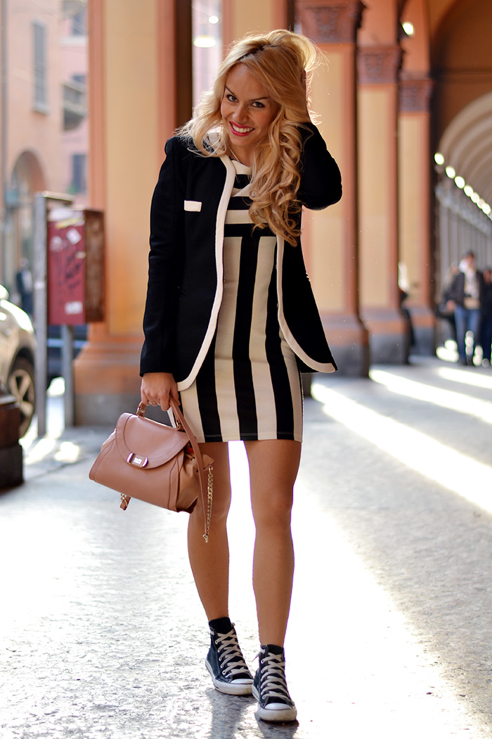 Bologna cosa fare, cosa vedere, dove mangiare – Choies striped dress – Blazer spring 2014 – Look Converse All Star - Outfit italian fashion blogger It-Girl by Eleonora Petrella