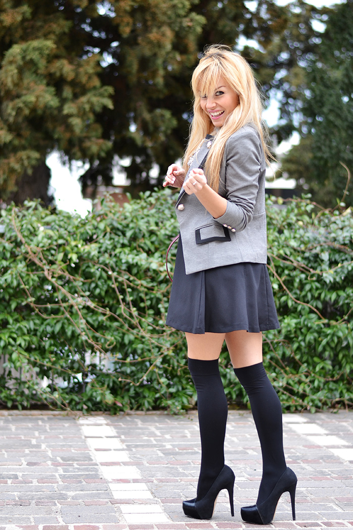 calze sopra al ginocchio parigine, over the knee socks, Sheinside blazer and jacket, borse Coccinelle – Italian fashion blogger It-Girl by Eleonora Petrella