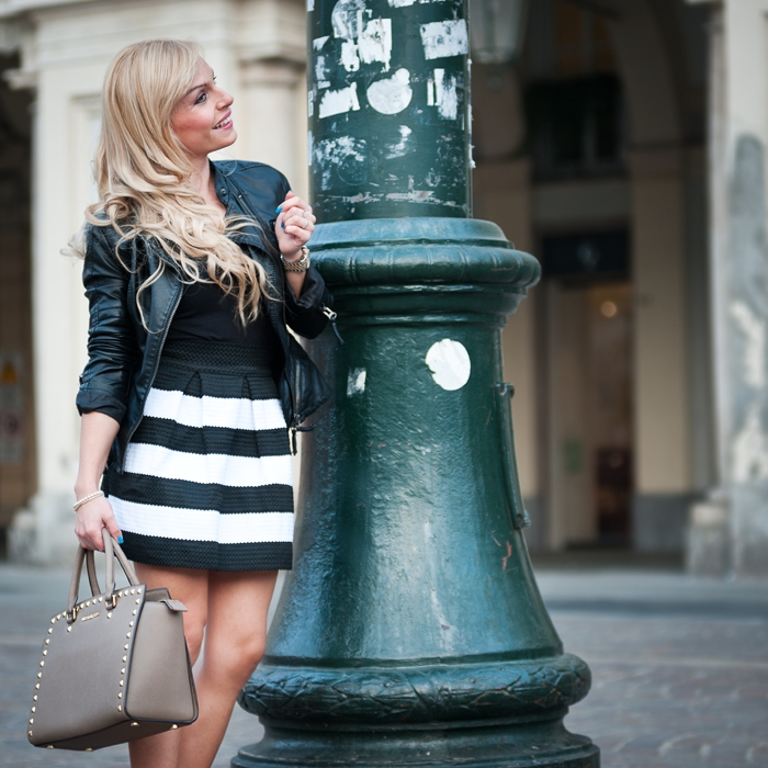 Selma bag Michael Kors, striped skirt, gonna a ruota, leather jacket, Geox for Valemour foulard, Italian fashion blogger Torino It-Girl by Eleonora Petrella