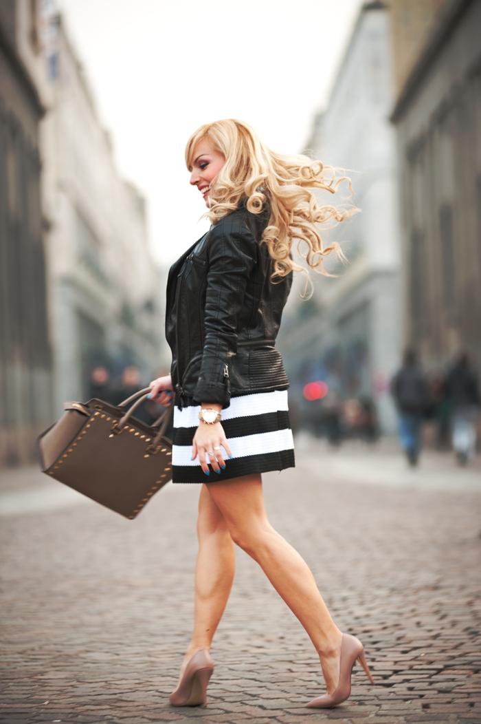 Selma bag Michael Kors, striped skirt, gonna a ruota, leather jacket, Geox for Valemour foulard, Italian fashion blogger Torino It-Girl by Eleonora Petrella