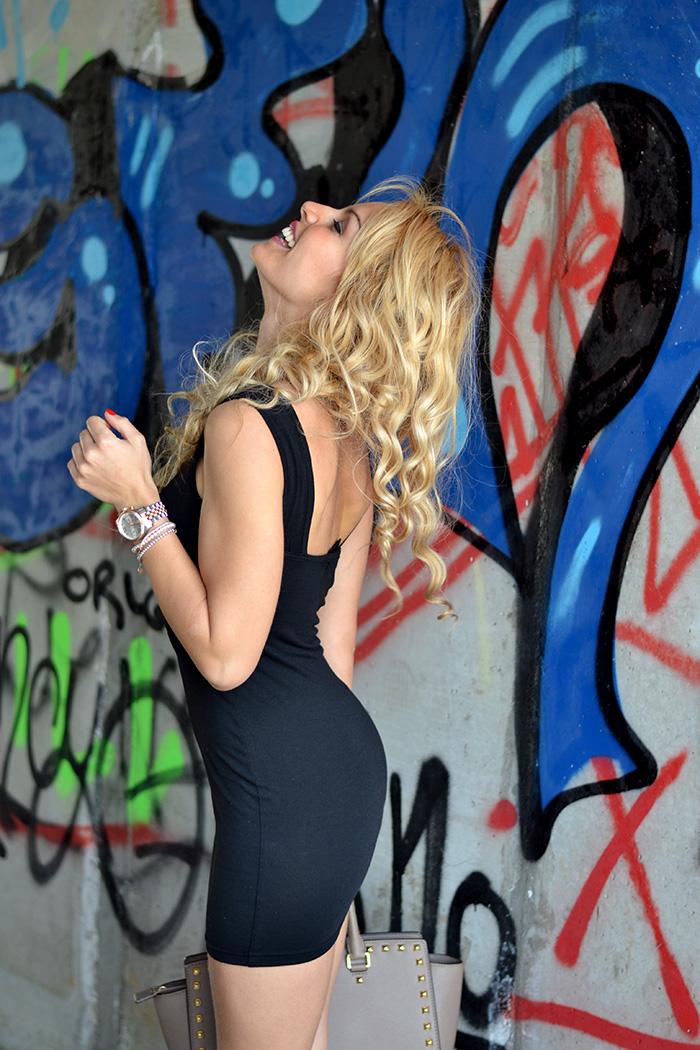 Choies Little Black Dress, sexy LBD, anfibi Cult Shoes biker boots, Michael Kors Selma bag – outfit rock fashion blogger Torino It-Girl by Eleonora Petrella