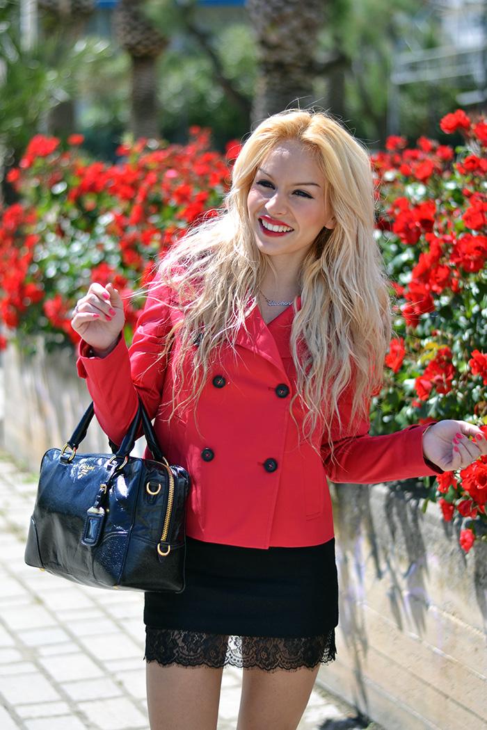 Trench corto, Trench rosso, Ventifive negozio d'abbigliamento, Lingerie skirt, Lingerie trend, italian fashion blogger It-Girl by Eleonora Petrella