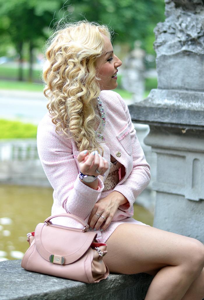 Ventifive abbigliamento moda donna, tailleur completo giacca gonna, come vestirsi per una cerimonia, idee look occasioni speciali, crop top pizzo Zara – It-Girl by Eleonora Petrella