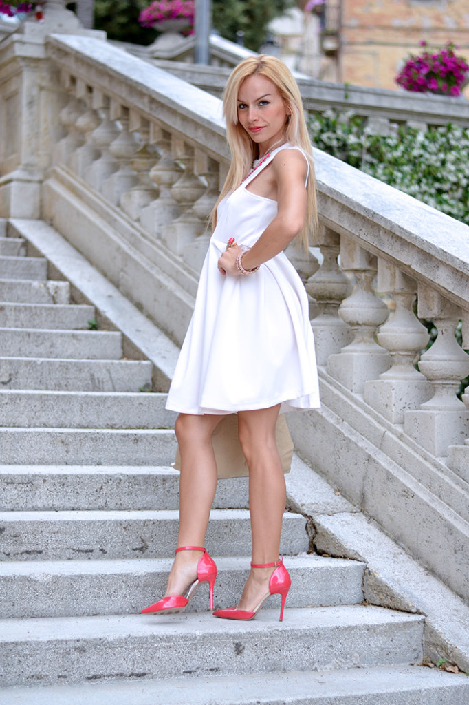 <!--:it-->Little WHITE Dress<!--:-->