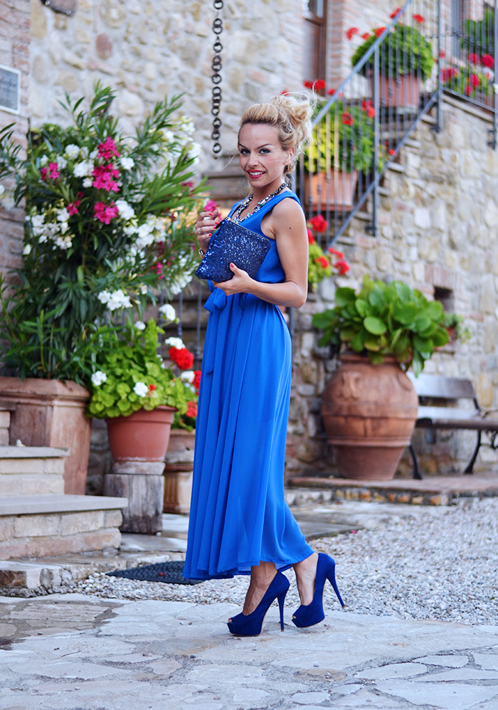 <!--:it-->Blue maxi dress – Relais  Il Canalicchio<!--:-->