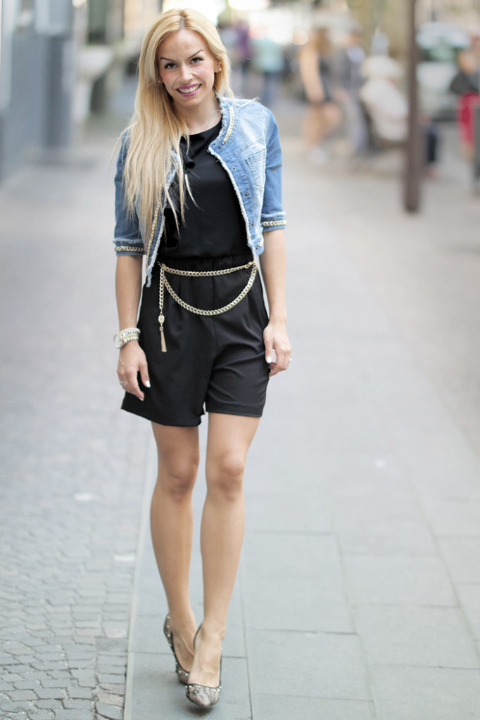 <!--:it-->Black jumpsuit and denim jacket – Roberta Biagi<!--:-->