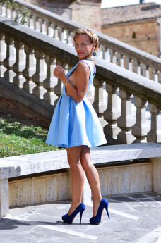 crown braid hairstyle, braided crown tutorial, Sheinside dress, baby blue dresses - outfit italian fashion blogger It-Girl by Eleonora Petrella