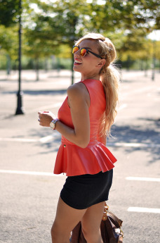 Ventifive negozio abbigliamento shop, peplum top, draped skirt, Zero UV sunglasses italia occhiali recensioni – outfit italian fashion blogger It-Girl by Eleonora Petrella