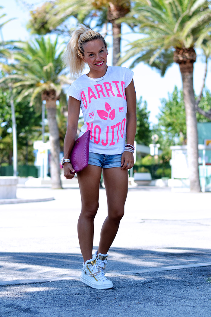 Roimer t-shirt alla moda estate 2014, shorts di jeans, sneakers bianche – outfit summer 2014 italian fashion blogger It-Girl by Eleonora Petrella