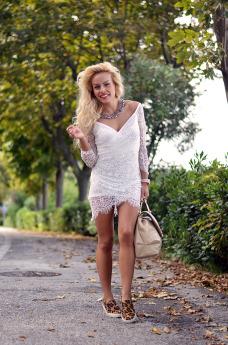 Choies dresses, off shoulder dress, lace dress, vestiti in pizzo, borse Braccialini - outfit Italian fashion blogger It-Girl by Eleonora Petrella