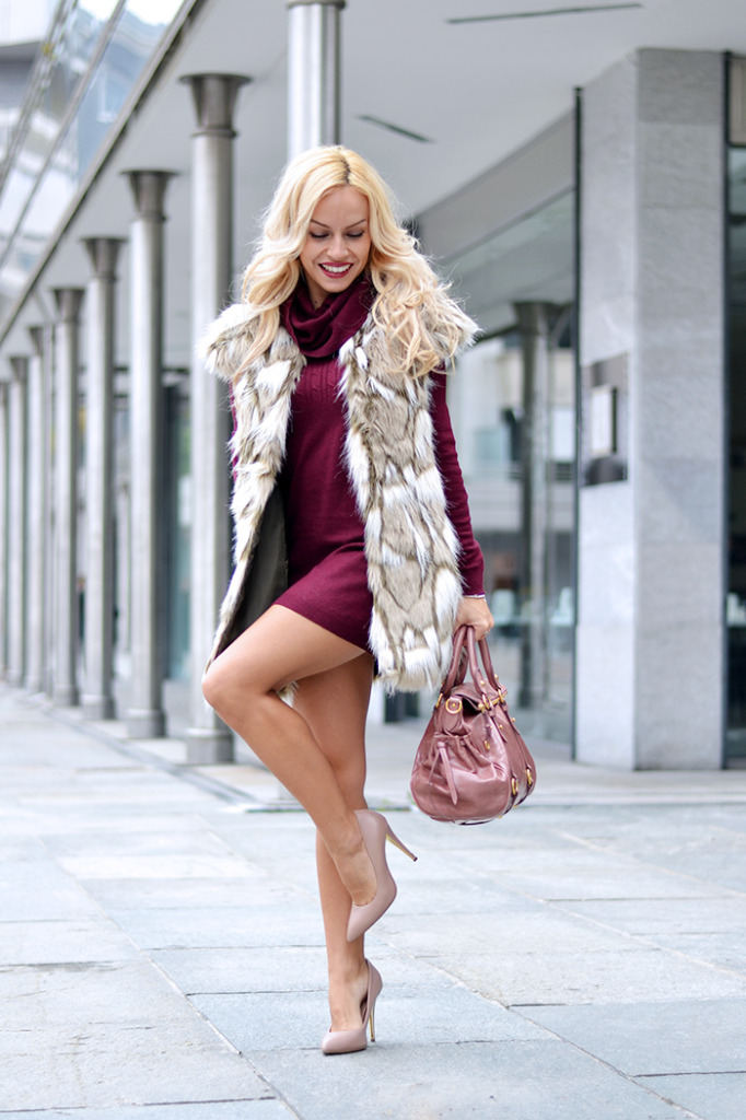 Faux fur & Burgundy