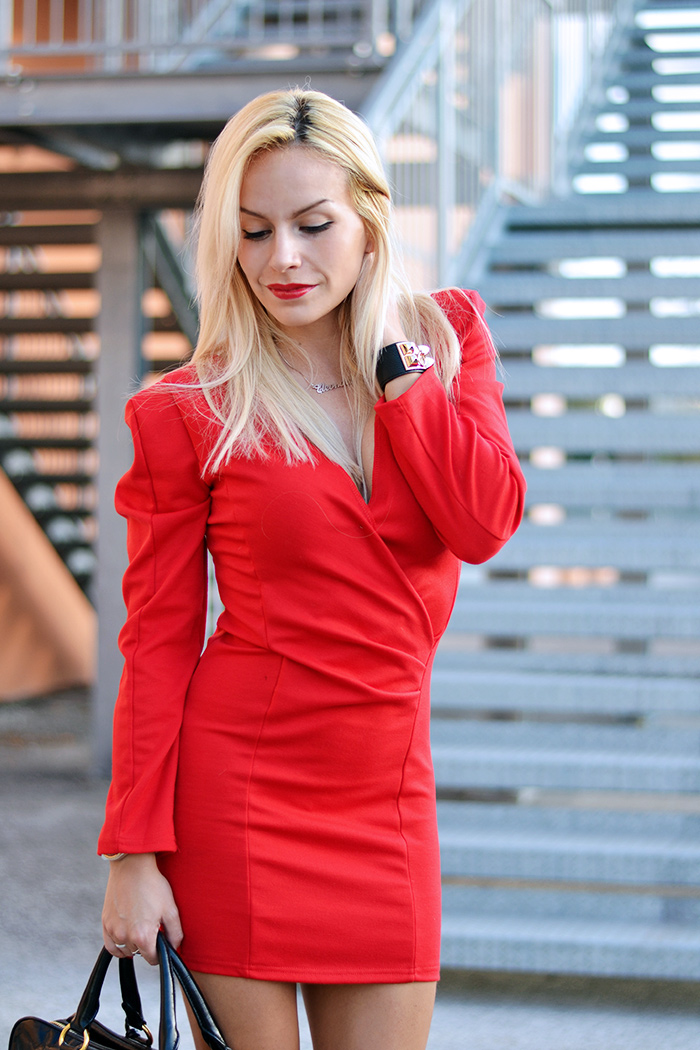 Red dress, vestito rosso occasioni speciali, Sheinside dresses, Zara heels, borse Prada bags – outfit elegant chic It-Girl by Eleonora Petrella