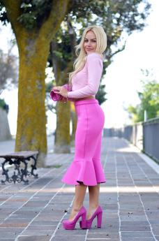 pencil skirt, midi skirt trend fall winter 2014-2015, gonna a tubo come indossarla idee look, crop sweater, It-Girl by Eleonora Petrella