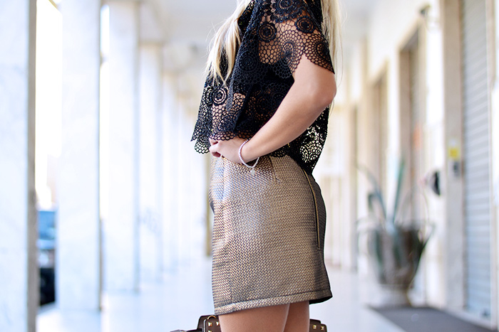 Ginger London, mini skirt, lace top, fall looks 2015, gold trend fall winter 2014, Michael kors Selma bag, Sergio Levantesi shoes heels scarpe – Italian fashion blogger It-Girl by Eleonora Petrella
