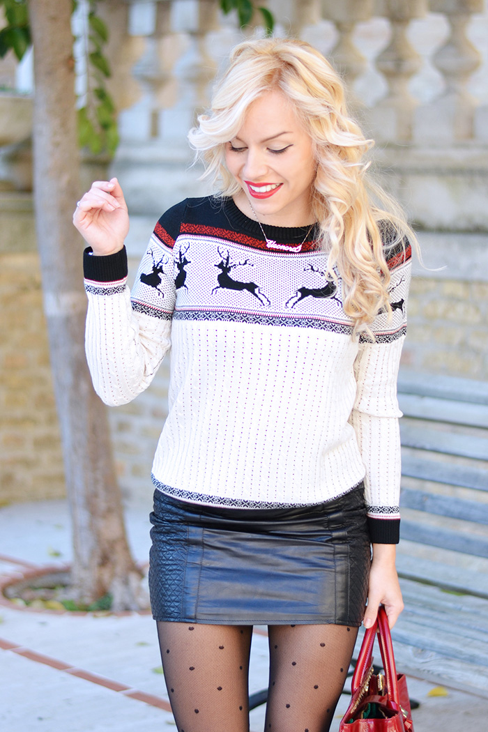 Christmas sweaters, knit sweater, Christmas Eve look, collant a pois Calzedonia, Christmas outfit ideas, come vestirsi a Natale - fashion blogger Italia It-Girl by Eleonora Petrella