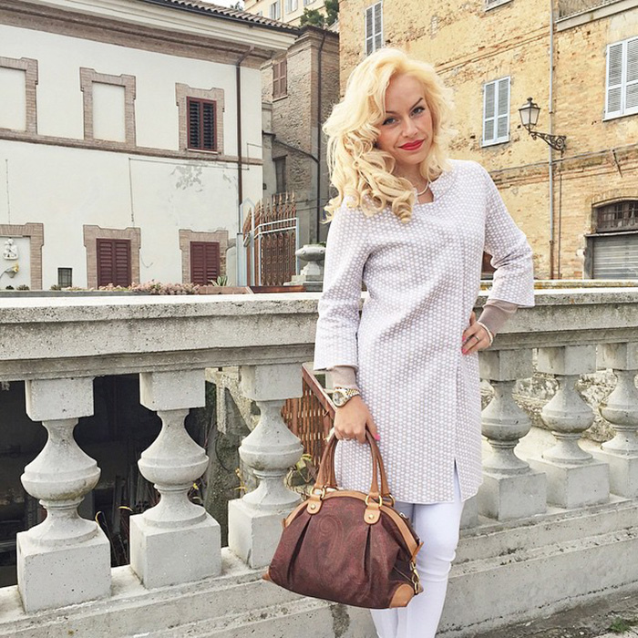 It-Girl by Eleonora Petrella - outfit fashion blogger look outfit ideas profilo instagram