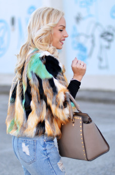 ankle boots, Kaaak shoes, faux fur coat, Sheinside Italia opinioni affidabile, ripped jeans, jeans strappati - outfit italian fashion blogger It-Girl by Eleonora Petrella
