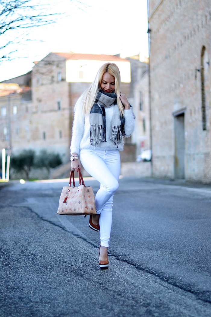 Loristella borse, faux fur sweater, Hudson jeans, jeans skinny, borse Made in italy, Loristella borse outlet – outfit fashion blogger It-Girl by Eleonora Petrella