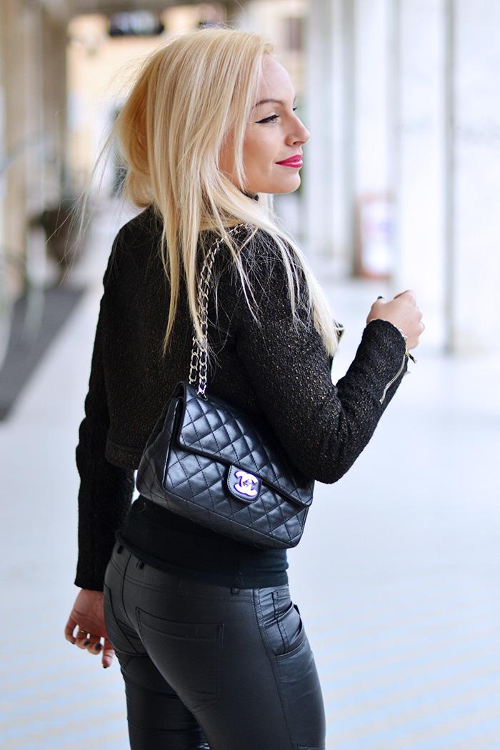 Ventifive abbigliamento, saldi inverno 2015, leather pants, pantaloni ecopelle, pantaloni pelle motociclista, biker jacket, Chanel bag, tracolla Chanel, fashion blogger It-Girl by Eleonora Petrella