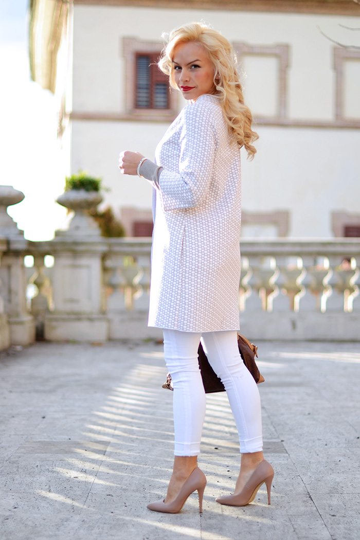 Anneclaire maglieria, Anneclaire abbigliamento, Hudson jeans, white pants in winter, Steve Madden pumps – outfit february 2015 It-Girl by Eleonora Petrella