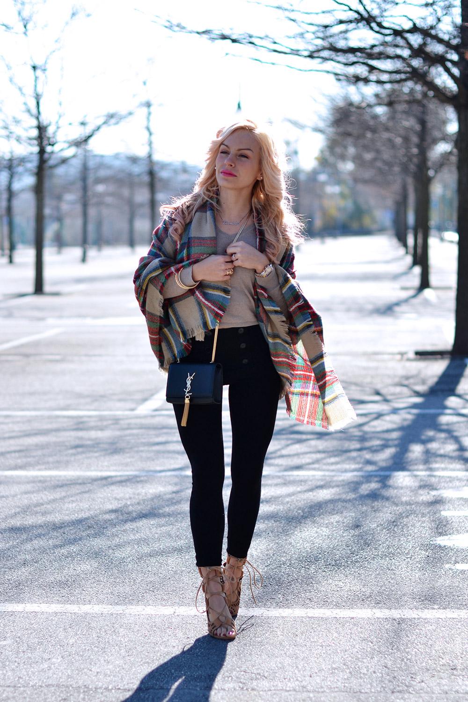 Yves Saint Laurent tassel clutch bag, YSL Monogramme, Sheinside opinioni, Sheinside Italia, lace up heels – outfit february 2015 fashion blogger It-Girl by Eleonora Petrella