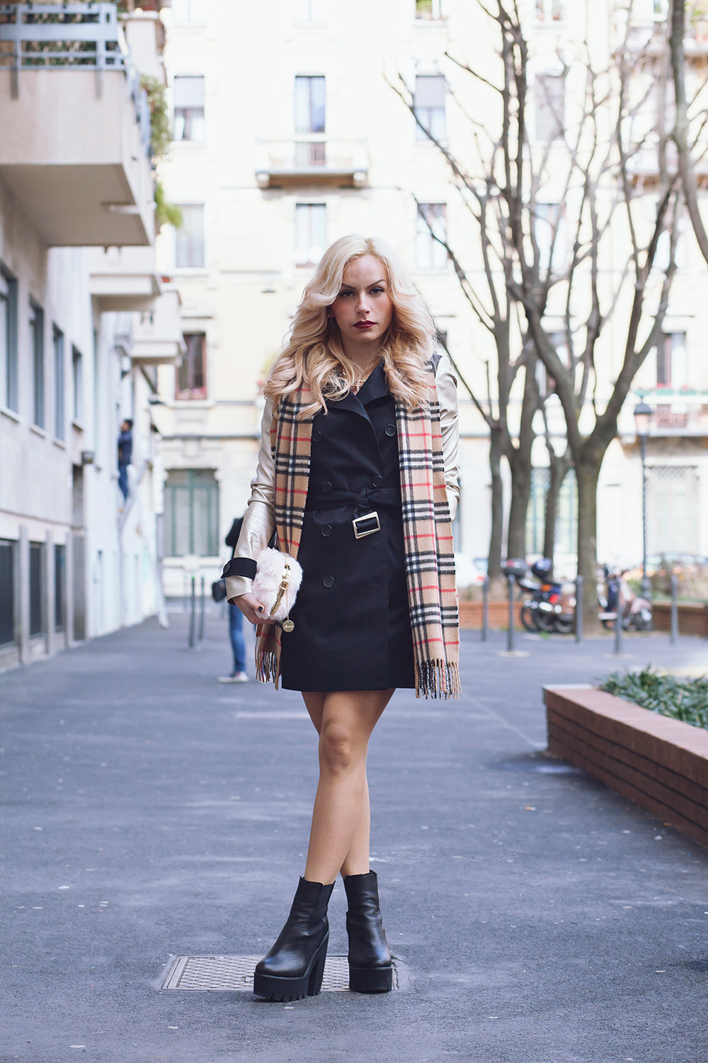 Trench primavera estate 2015, Ventifive abbigliamento Made in Italy, Kammi calzature, trench stile Burberry, best outfit Milan Fashion Week, streetstyle Milan Fashion Week - fashion blogger It-Gil by Eleonora Petrella