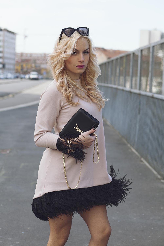 outfit4_eleonora-petrella_tiziana-gallo_17 [...]</p> </div>  <div class=