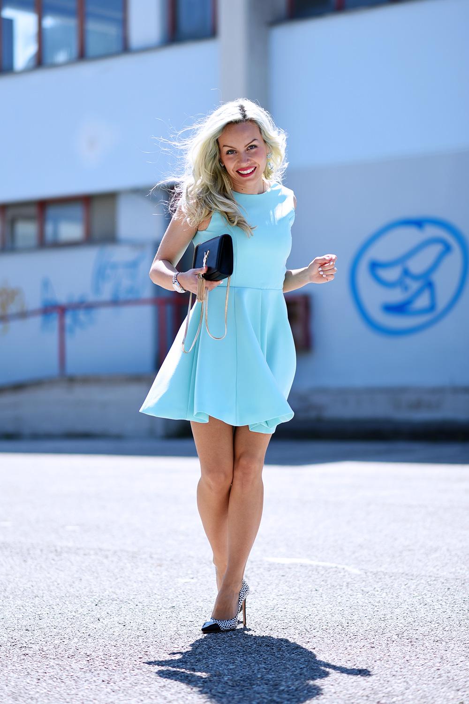 Baby blue hair, capelli colorati, come colorare i capelli, pastel hair, capelli azzurri, scarpe Kammi, tacchi Kammi, Oasap dress, outfit fashion blogger It-Girl by Eleonora Petrella
