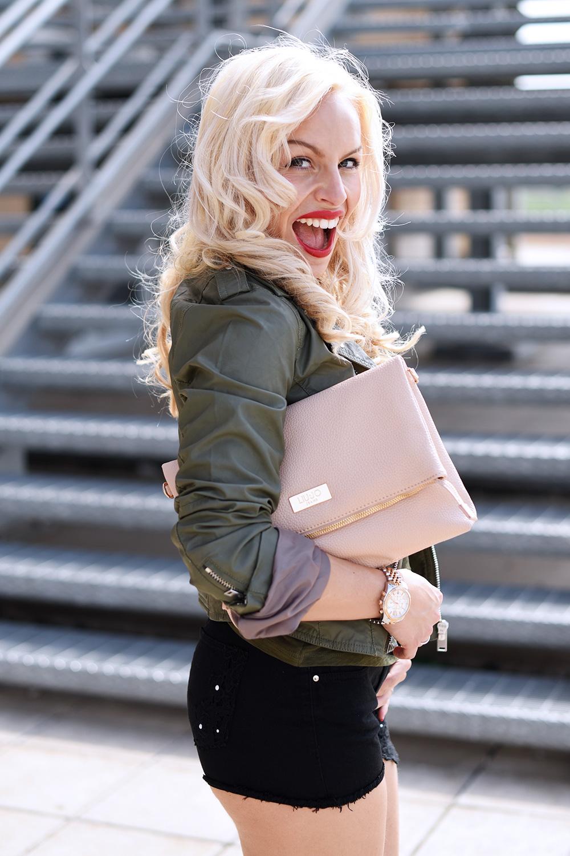 Negozi Pellizzari, outfit per la primavera/estate 2015, Negozi Pellizzari outlet abbigliamento, tendenze P/E 20 [...]</p> </div>  <div class=