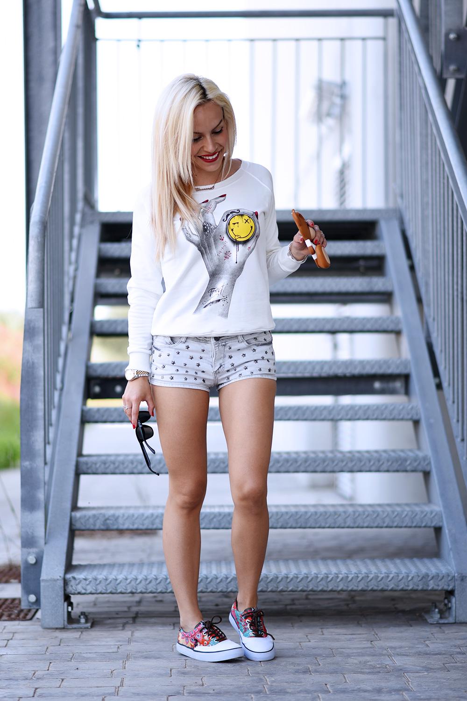 Tract t-shirt, felpe per la primavera/estate 2015, denim shorts, Hawkers occhiali da sole prezzi, Hawkers sunglasses, U.S. Polo scarpe – outfit fashion blogger It-Girl by Eleonora Petrella