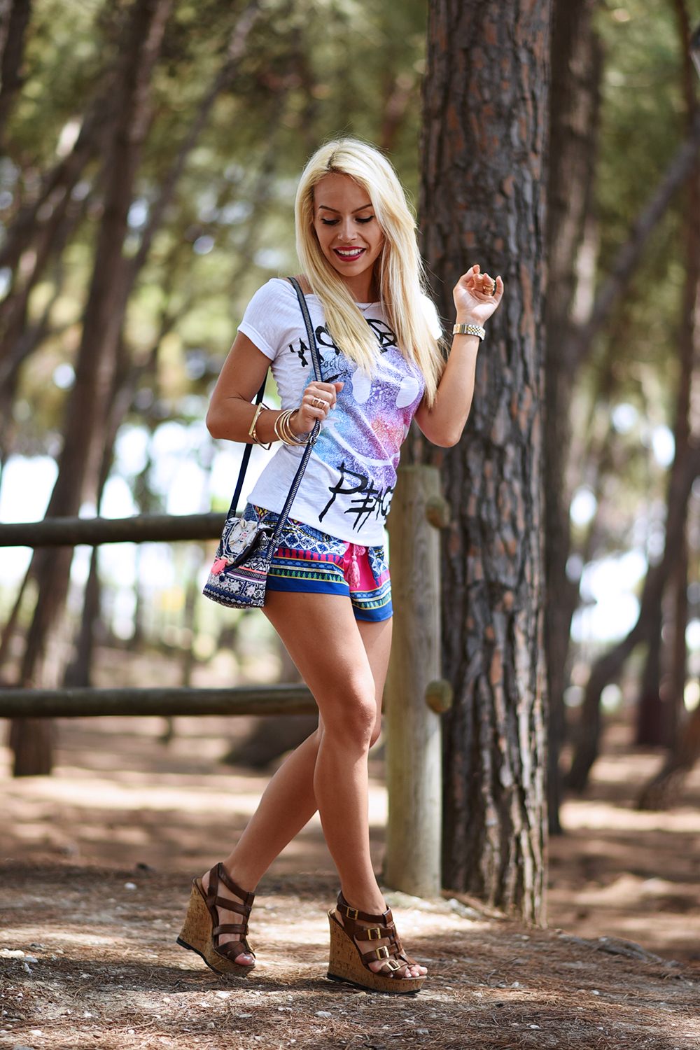 Tract shop t-shirt, magliette simpatiche, magliette estate 2015, shorts per il mare, look per le vacanze, come vestirsi in vacanza, zeppe Aldo – outfit fashion blogger It-Girl by Eleonora Petrella