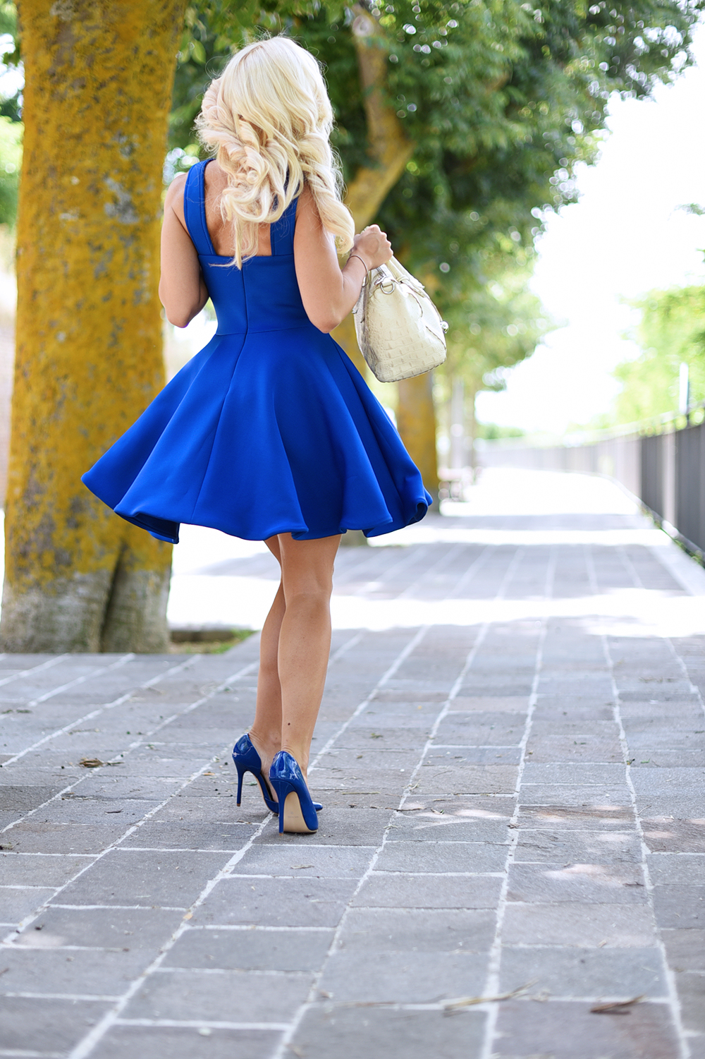 come indossare il blu, vestiti blu, vestiti Sheinside, Sheinside opinioni, Sheinside affidabile, pumps in vernice, TUUM anelli, anelli INFINITUUM prezzi – outfit summer 2015 blog It-Girl by Eleonora Petrella