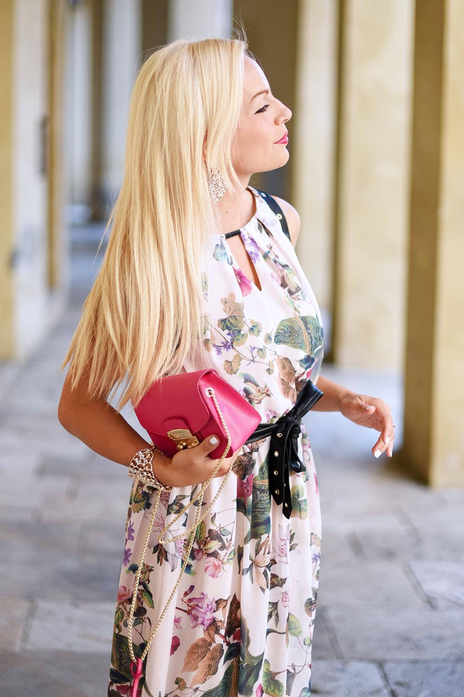 Ventifive abbigliamento, vestiti lunghi per l'estate, abiti a fiori, maxi dress, flora dress, Furla metropolis bag, borsa tracolla Furla colori prezzi - outfit summer 2015 fashion blogger It-Girl by Eleonora Petrella