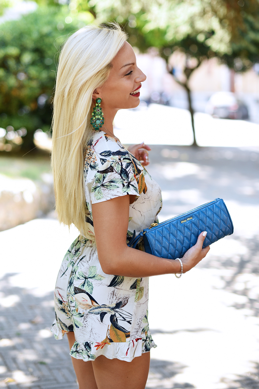 Lookbook Store, playsuit, tendencia mono, flower jumpsuit playsuit, tute estive, Miu Miu clutch, outfit summer 2015 - fashion blogger It-Girl by Eleonora Petrella